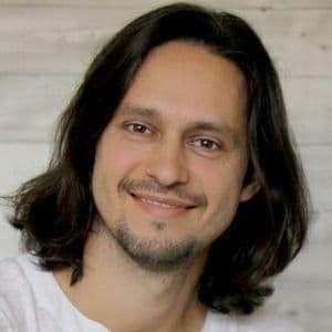 Speaker - Eugen Bakumovski