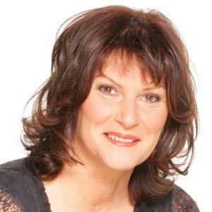 Speaker - Johanna Paungger Poppe